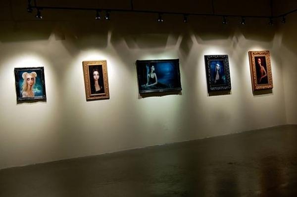 Lori Earley: так ее работы выглядят на выставках