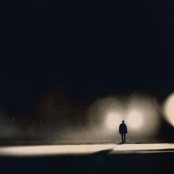В работах Martin Stranka  игра света и тени поражает