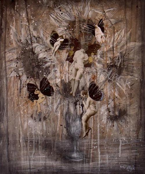 Некоторые картины Mia Makila изучают часами