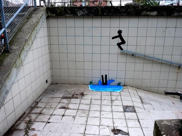 Вы спускаетесь вниз, а он ныряет!