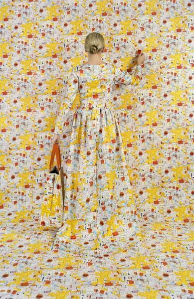 Rachel Perry Welty умудрилась найти платье под цвет обоев, или наоборот