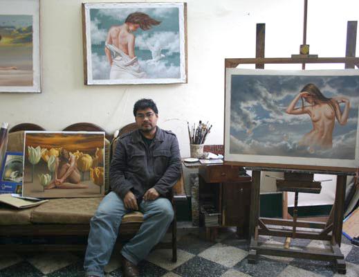 Сам Renso Castaneda в мастерской