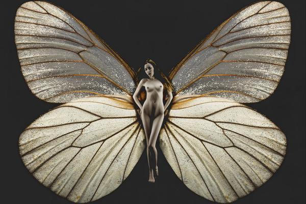Психея прекраснее Афродиты, а эта девушка прекраснее Психеи.