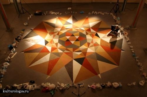 Геометрические фигуры из песка и почвы: оригинальные полы от Эльвиры Верше (Elvira Wersche)