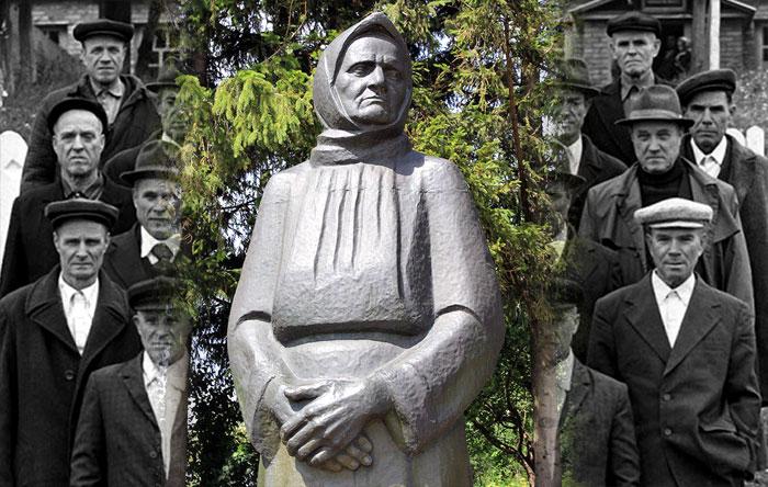 Памятник матери десятерых солдат.