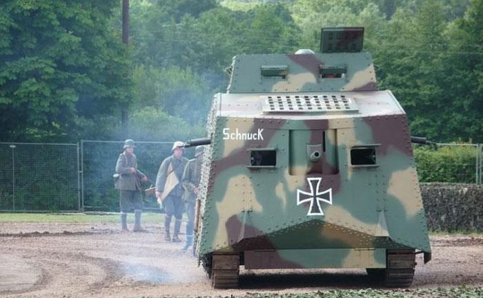 Современная копия A7V в танковом музее Бовингтона.