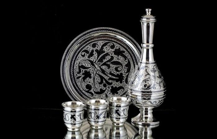 Набор посуды «Кубачинское серебро».