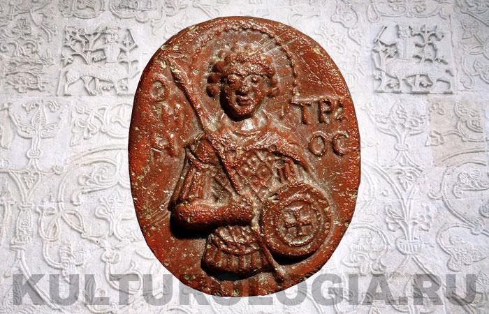 Иконка-литик из стеклянной пасты с изображением Святого Дмитрия, 13 век.