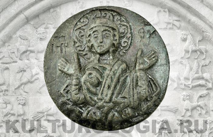 Древнерусская матрица круглой формы с изображением Богоматери, 13 век.