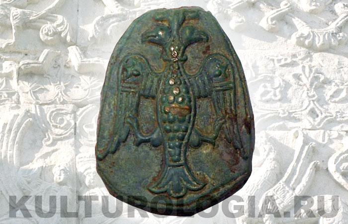Древнеруская ювеоирная матрица 11-13 вв. с изображением хищной двуглавой птицы.