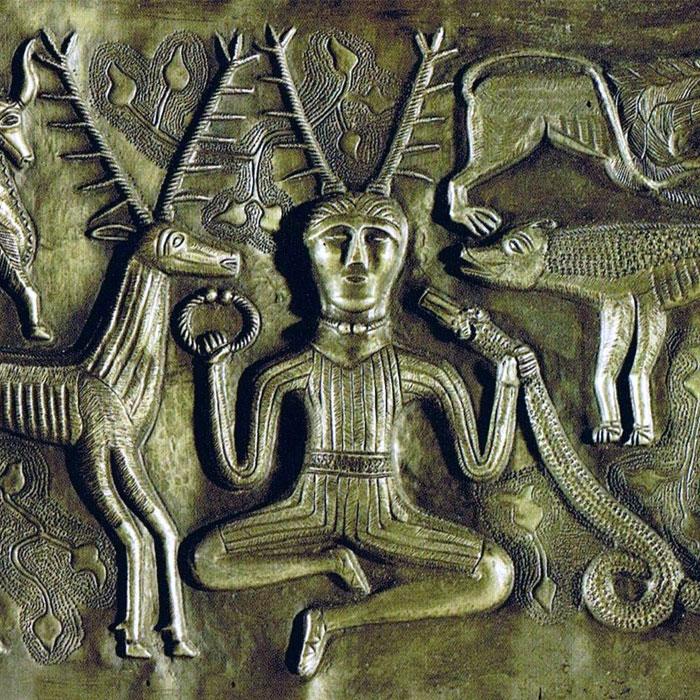 Изображение кельтского бога с оленьими рогами Цернунна, как его называли римляне.