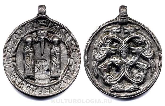 Змеевик с изображением святых бессребреников Козьмы и Дамиана, XII в.