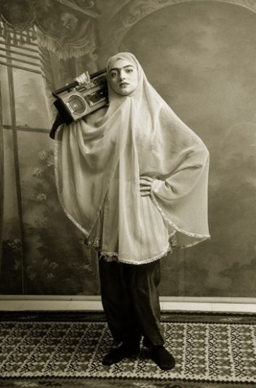Shadi Ghadirian - иранский фотограф и любитель женщин