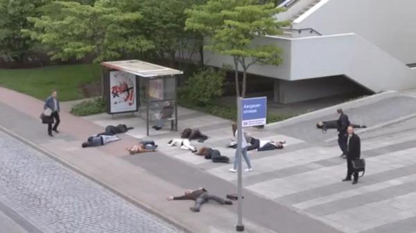Имитация ядерной катастрофы. Флэшмоб в Цюрихе