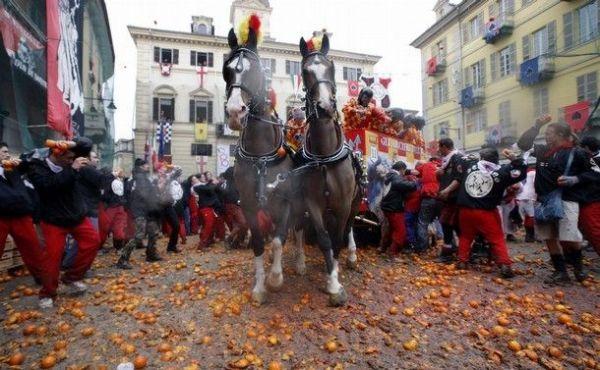 Апельсиновая битва в Италии