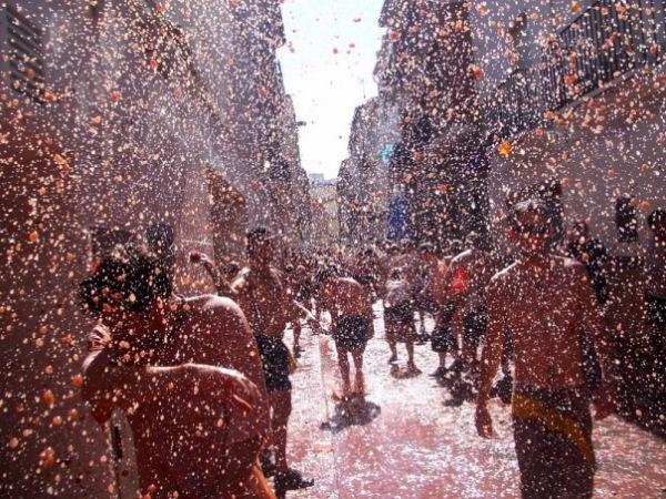 Дождь из помидоров на Томатине
