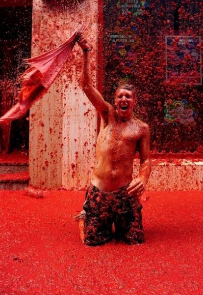 Битва помидорами в городе Буньоль