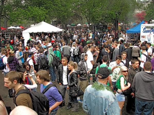 Фестиваль конопли привлекает любителей лёгких наркотиков со всего мира