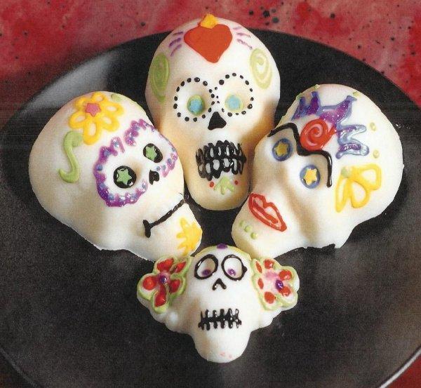 Сладкие черепа - лучшее угощение для детей в День Мёртвых