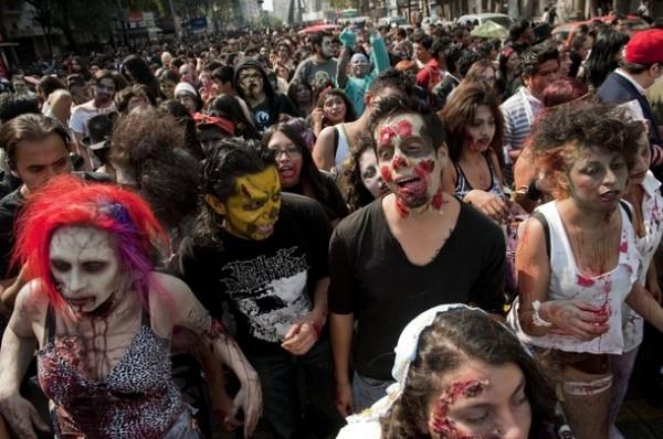 Количество участников Zombie Walk доходит до нескольких тысяч человек