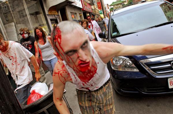 Типичный представитель живых мертвецов на прогулке зомби