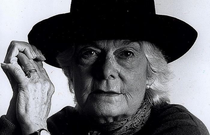 Писательница Мэри Уэсли. Фото: www.peoples.ru