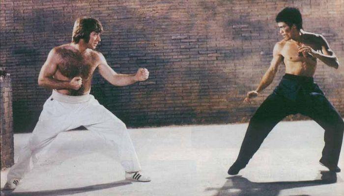 Брюс Ли был сильнее, чем Чак Норрис.