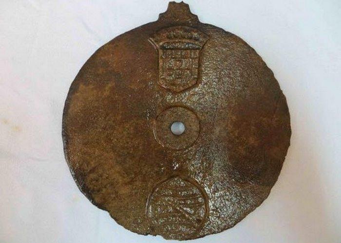 Самая ранняя астролябия с португальского судна.
