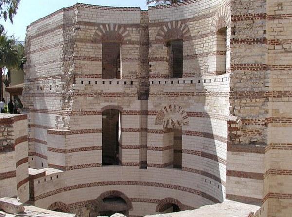 Вавилонская крепость.