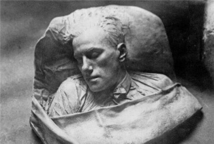 Сергей Меркуров. Посмертная маска В.В.Маяковского