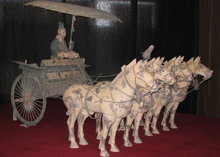 Китайская боевая колесница.