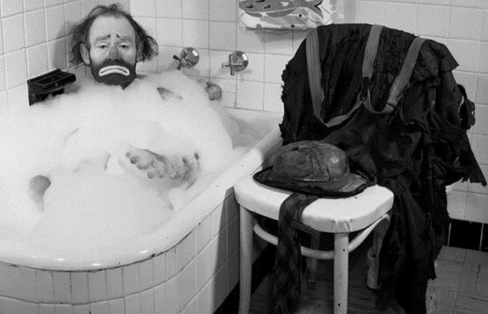 75-я годовщина появления ванны в Соединенных Штатах.