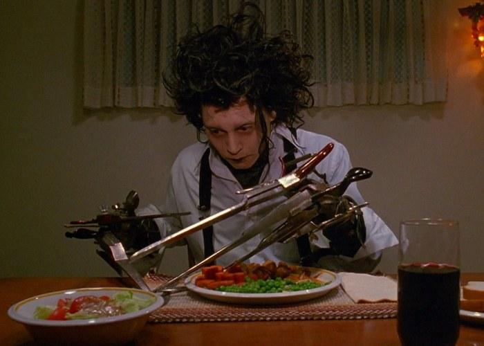 Кадр из фильма «Эдвард руки-ножницы»./фото: tv.pgtrk.ru