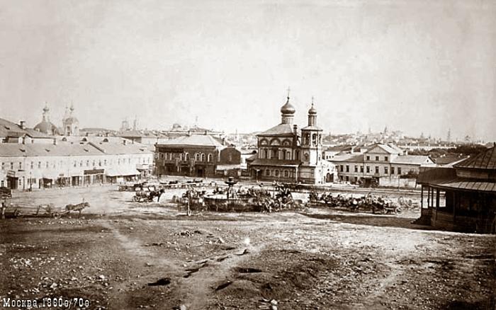 Варварская площадь.
