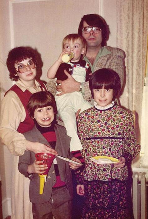 Стивен Кинг за работой. /Фото: www.mumsdays.com
