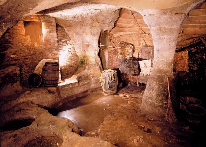 «Пещерный город».