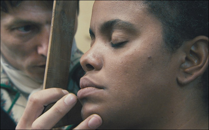 Все племена капских готтентотов были истреблены и обращены в рабство. (Кадр из фильма «Черная Венера», режиссер А. Кешиш. 2010 г.)