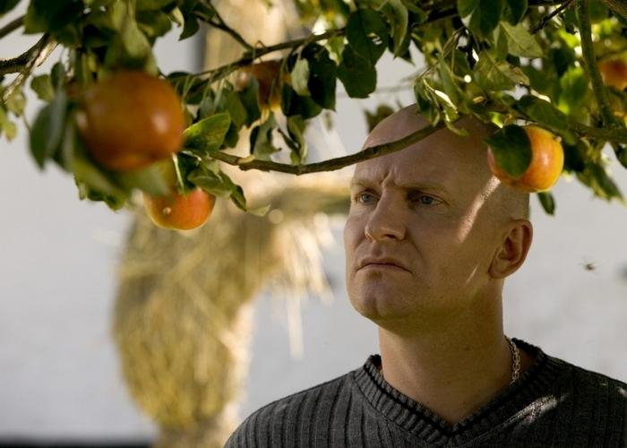 Кадр из фильма «Адамовы яблоки»./фото: the-cinema.ru