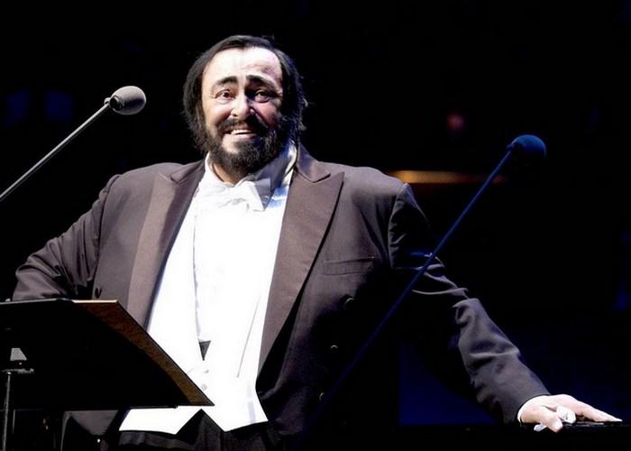 У Лучано Паваротти были трудности с оркестровым партиям./ Фото: ligaizbiratelei.ru