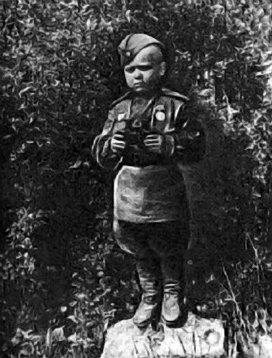 Гвардии рядовой Серёженька.