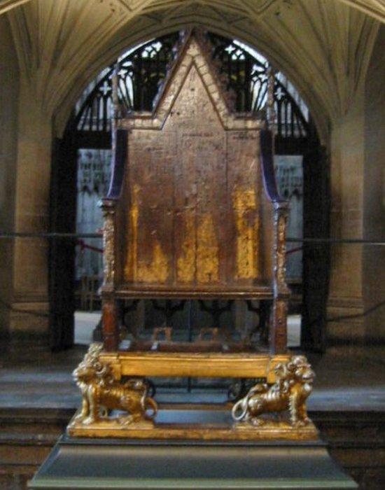 """""""Кресло короля Эдуарда"""" без Камня Судьбы."""