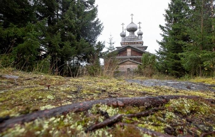 Уникальные деревянные церкви Карелии.