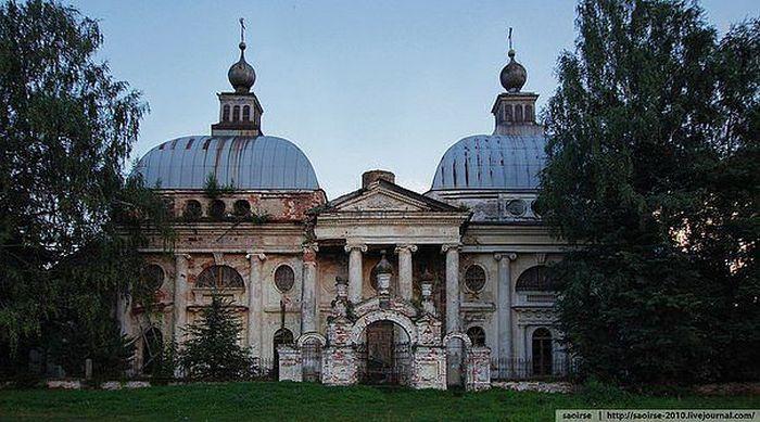Заброшенный храм казанской иконы божией матери .