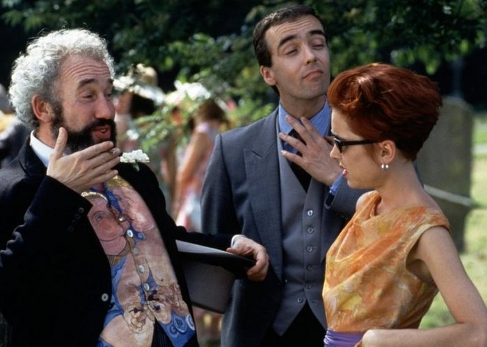 Кадр из фильма «Четыре свадьбы и одни похороны»./ Фото: kinofanat.net