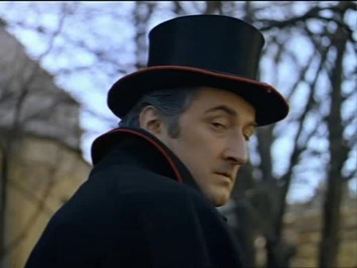 Борис Клюев в роли Майкрофта Холмса.