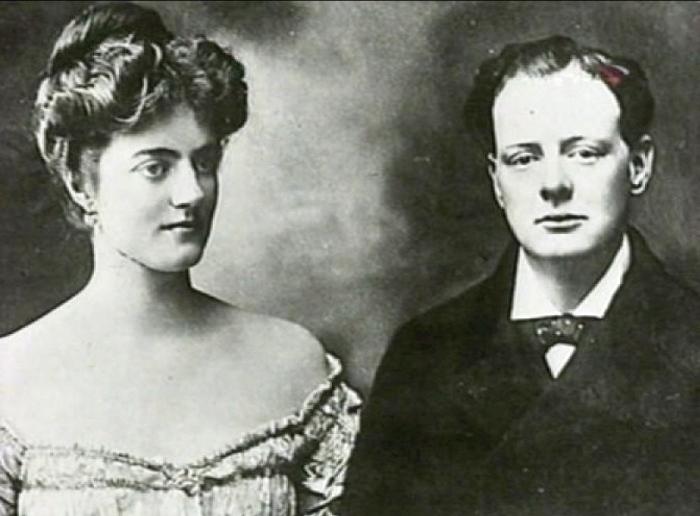 Уинстон Черчилль и Клементина Хозьер.