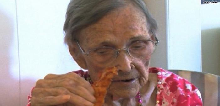 105-летняя Перл Кантрелл.