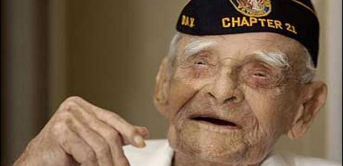 115-летний Эмилиано Меркадо дель Торо.