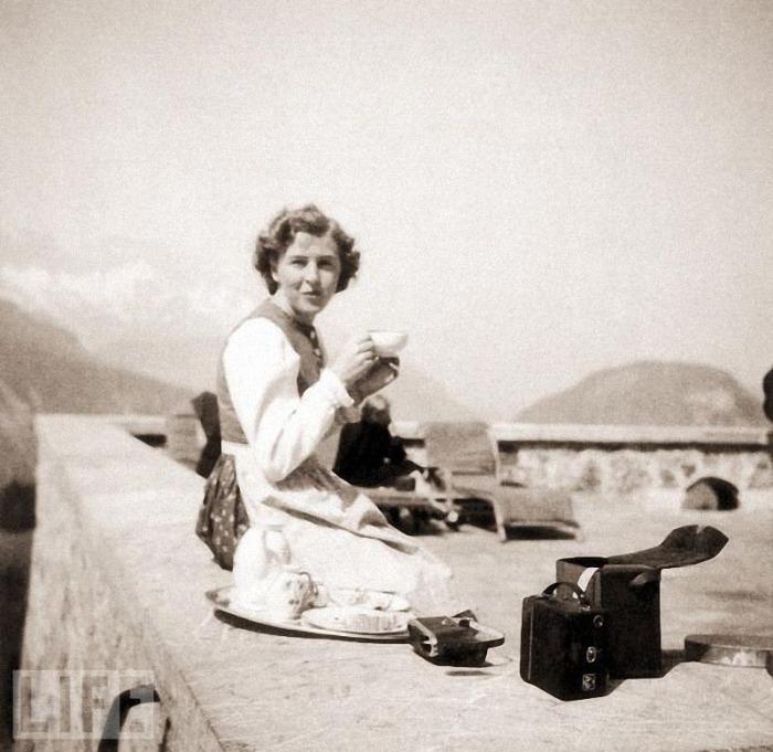 Ева Браун в альпийской резиденции Гитлера.