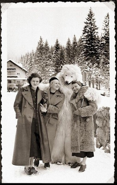 Баварские Альпы, 1935 год. Ева Браун с друзьями.